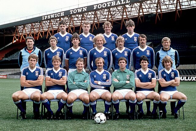 File:Squad 1980-81.jpg