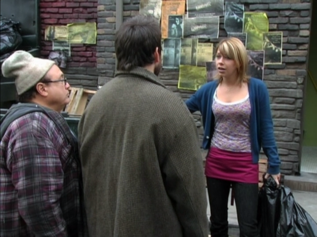 File:3x01 The Gang Finds a Dumpster Baby 12.png