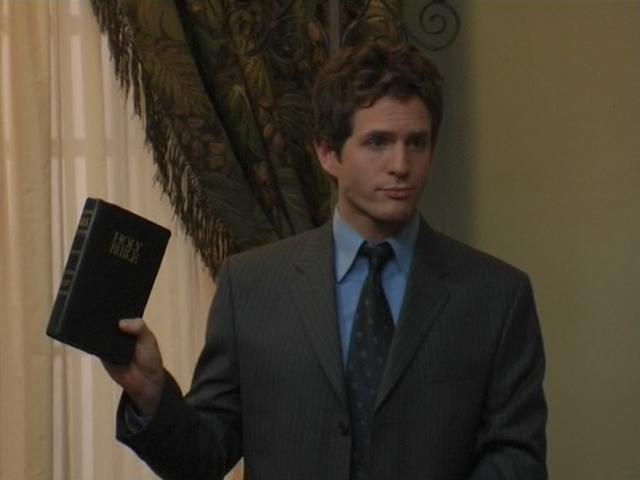File:1x6 Dennis give eulogy.png