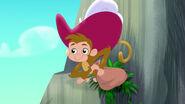 Monkey-Pirate Sitting Pirates03