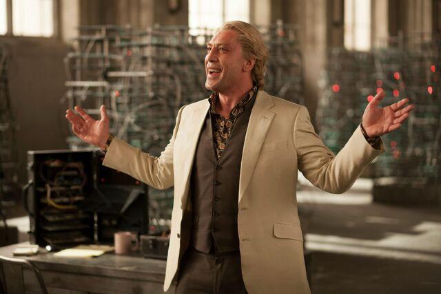 Archivo:Javier Bardem as Silva (Promotional).jpg