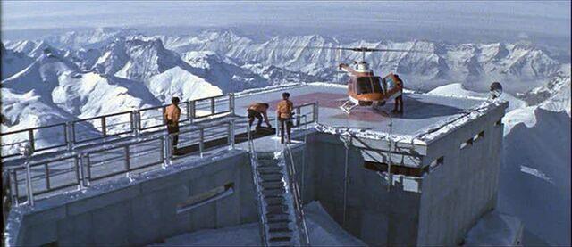 File:Majesty-secret-service-helicopter-in-piz-gloria.jpg
