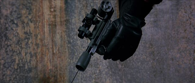 File:Grapple-gun-goldeneye.jpg