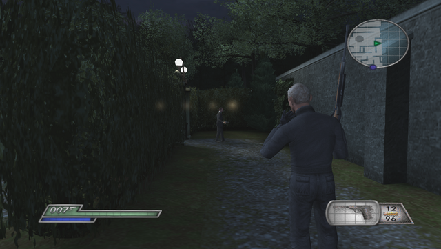 File:FRWL (game) - Red Grant stalks the fake 007.png