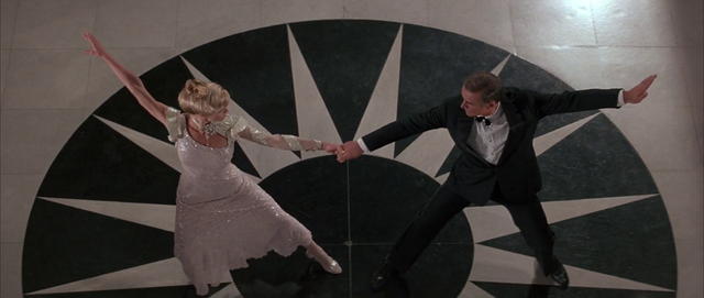 File:NSNA - Bond and Domino dance.png