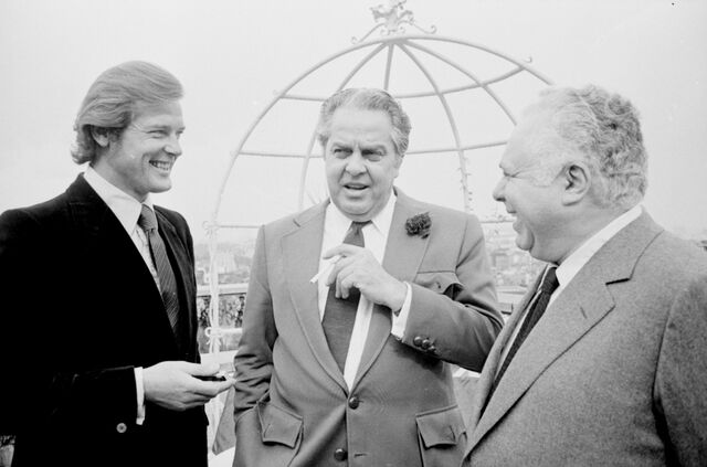 File:Roger Moore, Albert R. Broccoli, Harry Saltzman.jpg