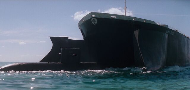 File:The Spy Who Loved Me - Liparus engulfs a Submarine.jpg