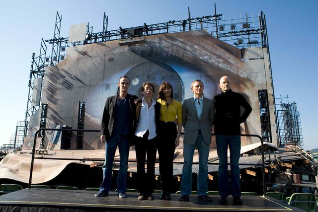 File:Quantum of Solace - cast and Marc Forster.jpg