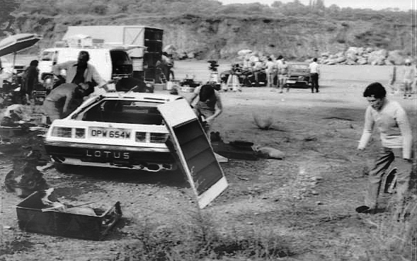 File:Filming the Lotus Turbo Esprit self-destruct scene (For Your Eyes Only) (2).jpg