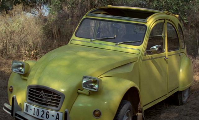 File:Citroën 2CV6.png