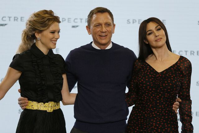 File:Spectre press conference - Craig, Bellucci, Seydoux.jpg