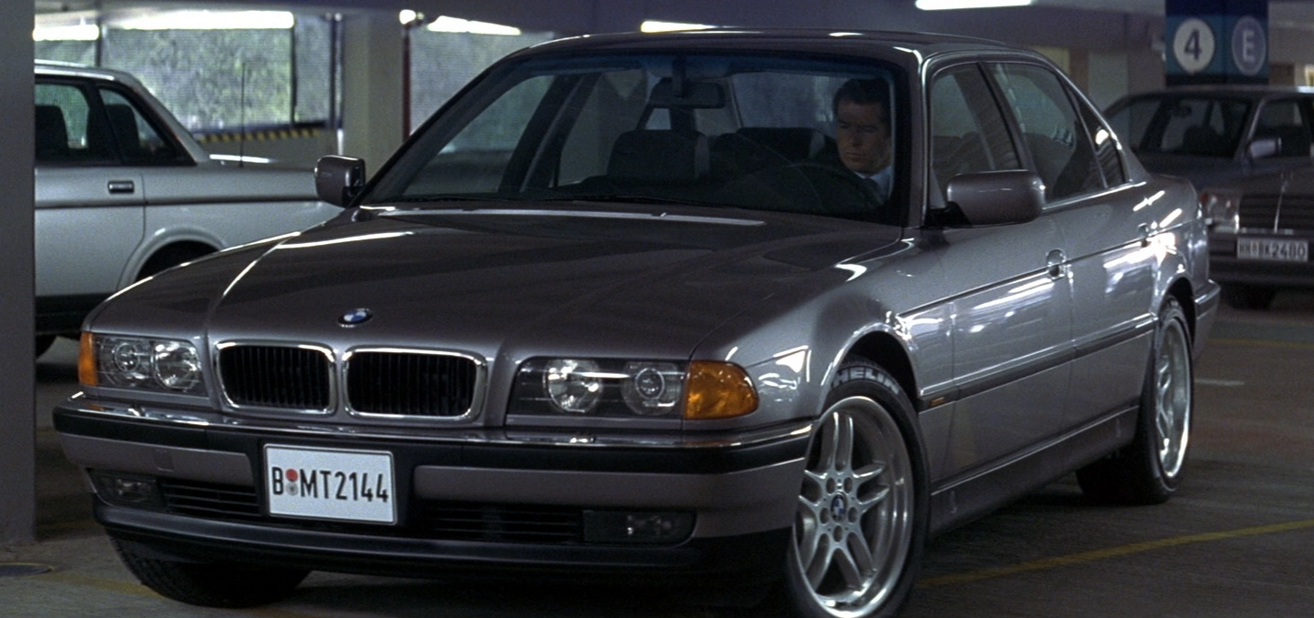 File:BMW 750iL (In-Film).png