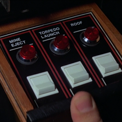File:Glastron Carlson (controls).png
