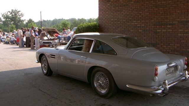 File:Cannonball run Aston Martin DB5