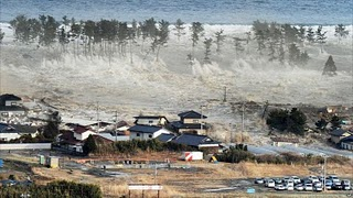 Japan-tsunami-earthquake-photo-stills-003