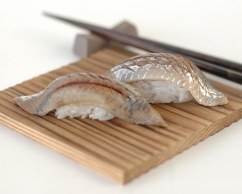 File:Iwashi sushi.jpg
