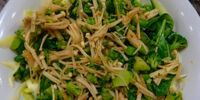 Sauteed Broccoli with Enoki Mushrooms by Elle Bee