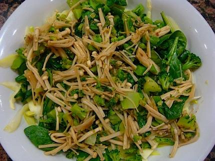 File:Broccoli with enoki.jpg