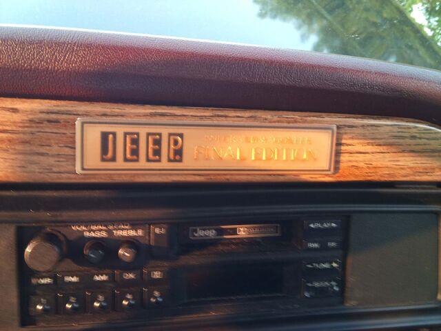 File:1991 Jeep Grand Wagoneer Final Edition Badge.jpg