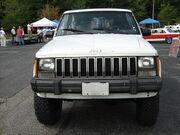 Jeep Comanche Pioneer white MD f