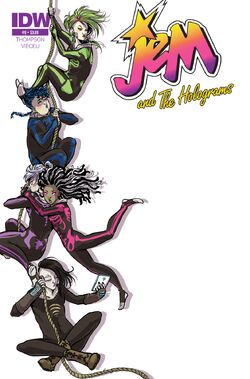 Jem and The Holograms, Issue 09 - 01