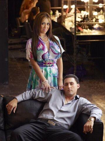 File:Gigi and frankie.jpg