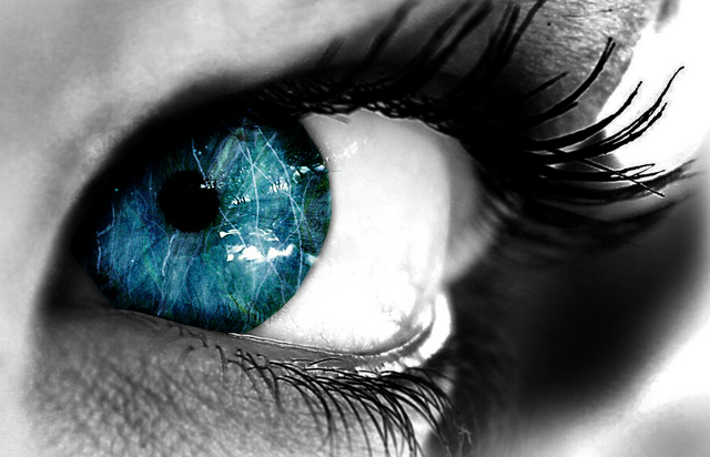 File:Eye blue by butterfly17.png