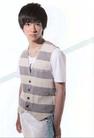 File:Chinen Yuuri August 2011.jpg