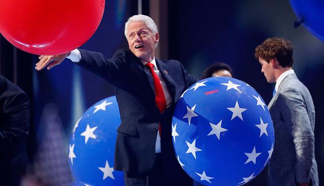 Bill-clinton-balloons-dnc.jpg