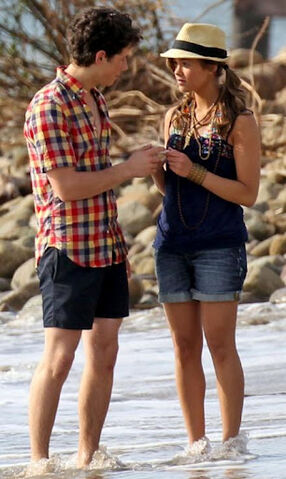 File:Nick-jonas-nicole-anderson-jonas-couple (235).jpeg