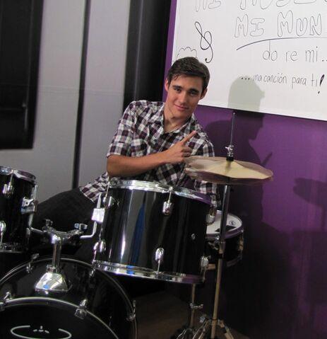 File:Drums.jpg