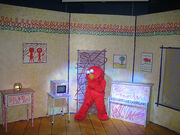 Elmo's World Live!