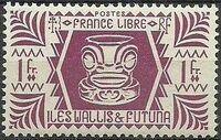 Wallis and Futuna 1944 Ivi Poo Bone Carving in Tiki Design g