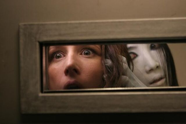 File:Still-of-shawnee-smith-and-aiko-horiuchi-in-the-grudge-3-(2009).jpg