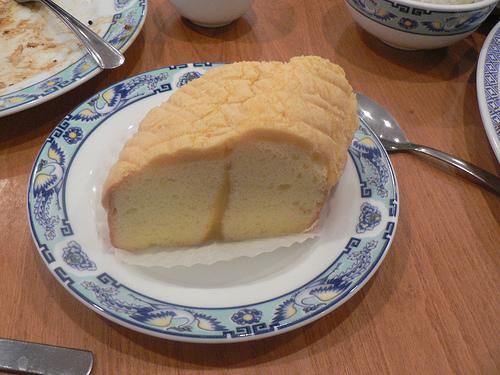 File:Sponge cake.jpg