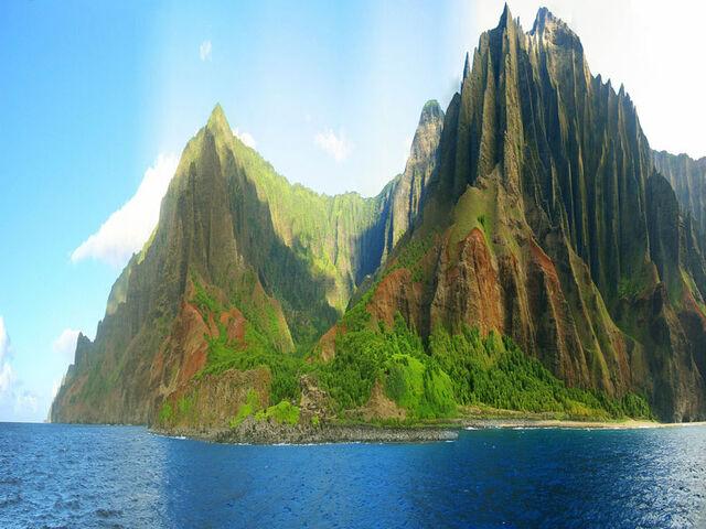 File:Na-pali-coast-state-park-jagged-cliffs-kauai-hawaii.jpg