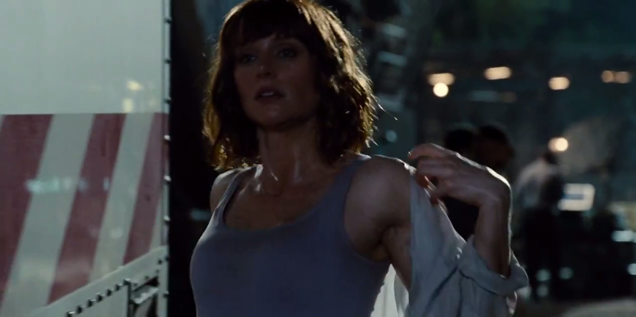 Image - Claire removes coat.png | Jurassic Park wiki ...