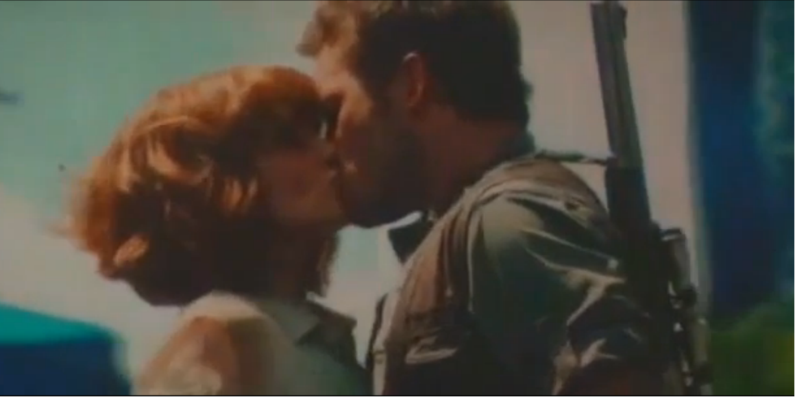 Imagen - Owen and Claire kiss.png | Jurassic Park Wiki ...