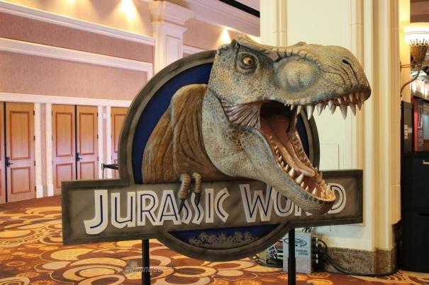 File:Jurassic-World-Dinosaur-1.jpg