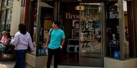 Brookstone-storefront