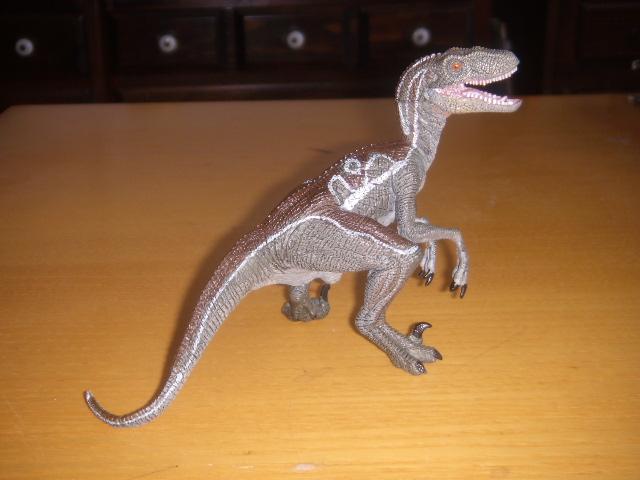 File:Papo Velociraptor.JPG