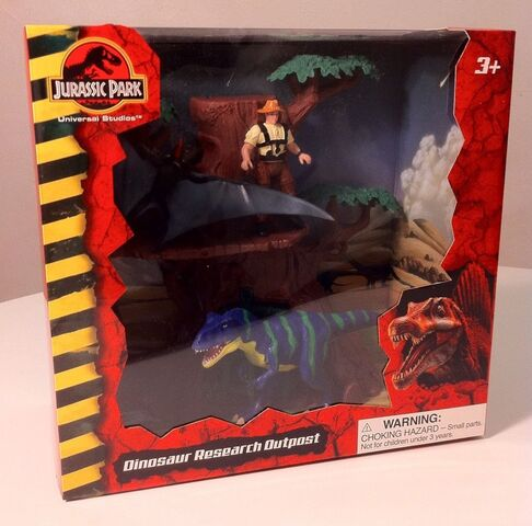 File:JP Dinosaur Research Outpost playset front.jpg
