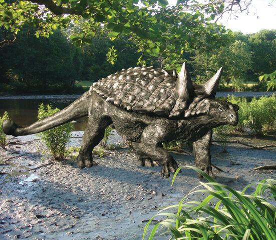 File:Tianchisaurus-frankdenota.jpg