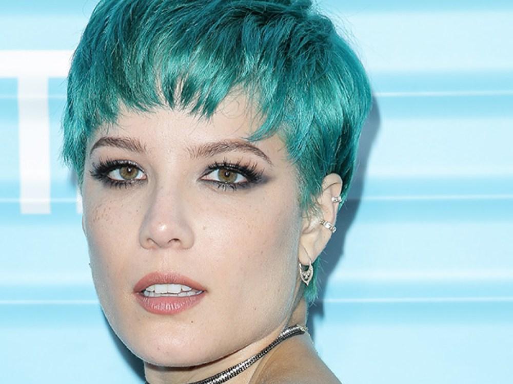 Halsey In Blue Colored Hair: Image - Halsey-debuts-blue-hair-ftr.jpg