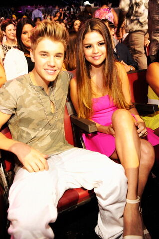 File:Jeleneaawesome.jpeg