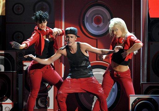 File:Justin Bieber AMA12.jpg