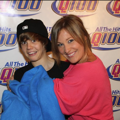 Justin Bieber, Wendy Adams, and...a snuggie. <a rel=