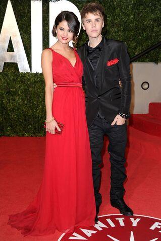 File:Justin Bieber red carpet 05.jpg