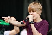 Justin Bieber singing at Easter Egg Roll 2010