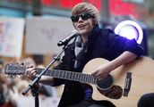 Justin Bieber performing on The Today Show 2009